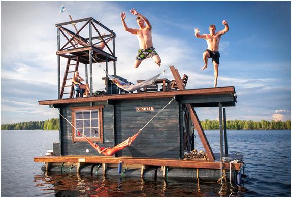 floating-σάουνα-πλωτό σπίτι-2.jpg