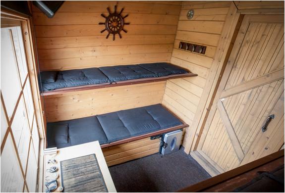 floating-σάουνα-πλωτό σπίτι-3.jpg