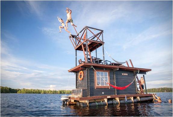 floating-σάουνα-πλωτό σπίτι-9.jpg