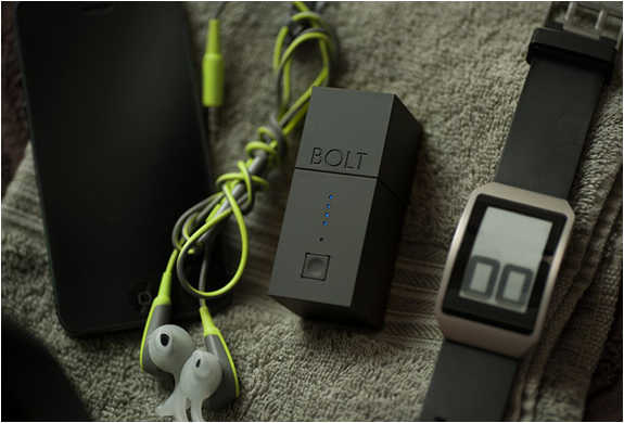 Bolt | Portable Battery & Wall Charger | Image
