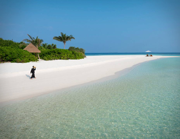 four-seasons-private-island-maldives-9.jpg
