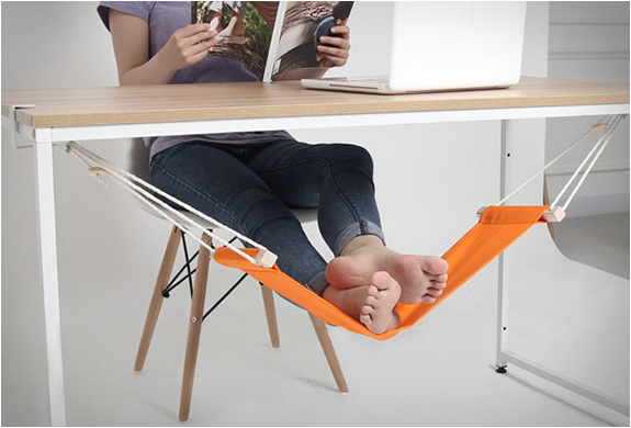 FUUT | UNDER-DESK FOOT HAMMOCK | Image