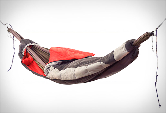 HAMMOCK SLEEPING BAG | BY GRAND TRUNK | Image