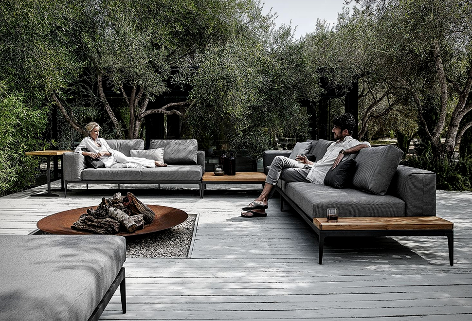GRID MODULAR OUTDOOR SOFA | Image