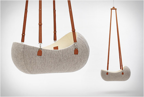 LITTLE NEST | HANGING FELT CRADLE | Image