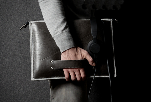 GRAB LAPTOP FOLIO | BY HARD GRAFT | Image