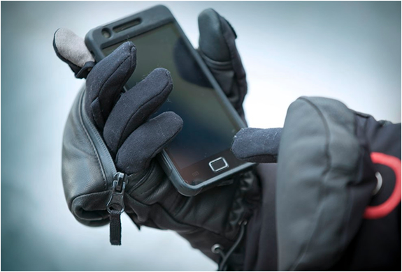 heat-3-smart-gloves-5.jpg | Image