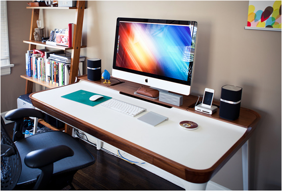 Aria Desk | By Herman Miller | Image