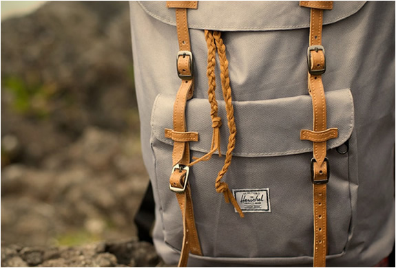 herschel-supply-little-america-backpack-3.jpg