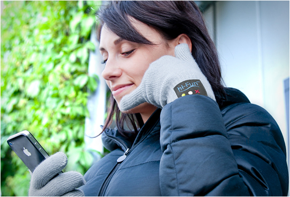 Hi-call | Bluetooth Talking Glove | Image
