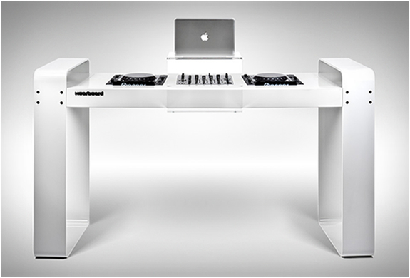 SPIN AGE DJ WORKSTATION | BY HOERBOARD | Image