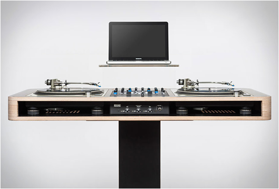STEREO T DJ WORKSTATION | BY HOERBOARD | Image