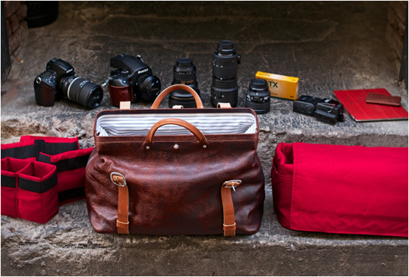 holdfast-roamographer-leather-camera-bag-2.jpg