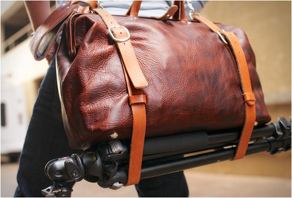 holdfast-roamographer-leather-camera-bag-6.jpg