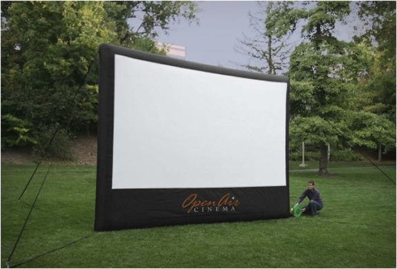 home-backyard-cinema-theater-2.jpg