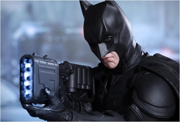 hot-toys-batman-dark-night-rises-collectible-figure-4.jpg | Image