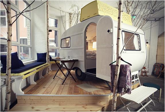 http://www.blessthisstuff.com/imagens/stuff/hotel-of-caravans-huetten-palast.jpg
