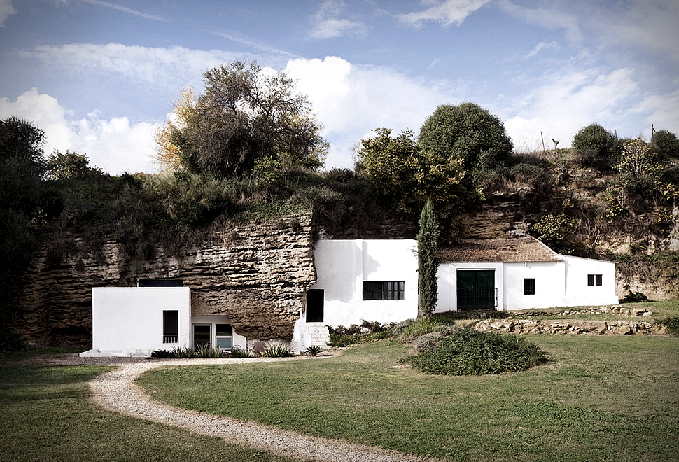 CAVE HOUSE | Image