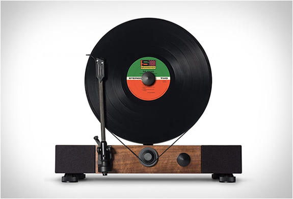 FLOATING RECORD VERTICAL TURNTABLE | Image