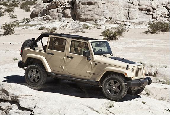 img_2011_jeep_wrangler_mojave.jpg