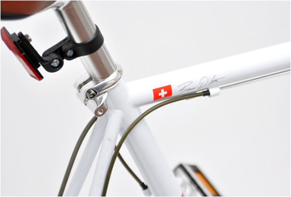 img_20_racer_white_bicycle_2.jpg | Image