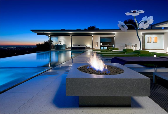 BREATHTAKING HOLLYWOOD HILLS RESIDENCE FOR SALE | Image