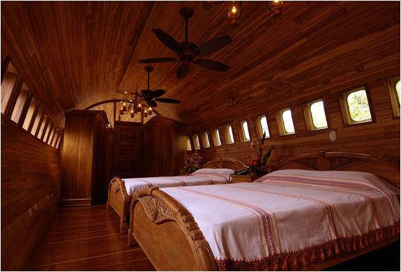 img_airplane_hotel_3.jpg