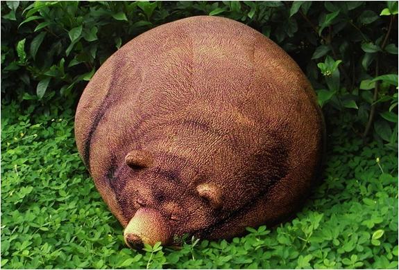 BIG SLEEPING GRIZZLY BEAR BEAN BAG | Image