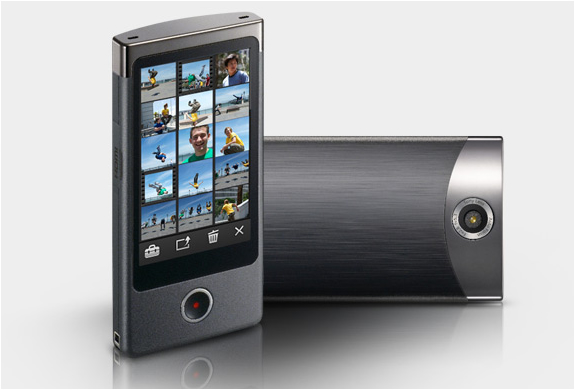 BLOGGIE TOUCH CAMERA | BY SONY | Image