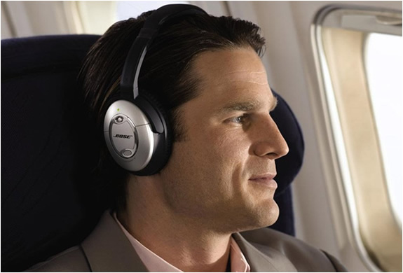 img_bose_quietconfort_15_headphones_5.jpg | Image