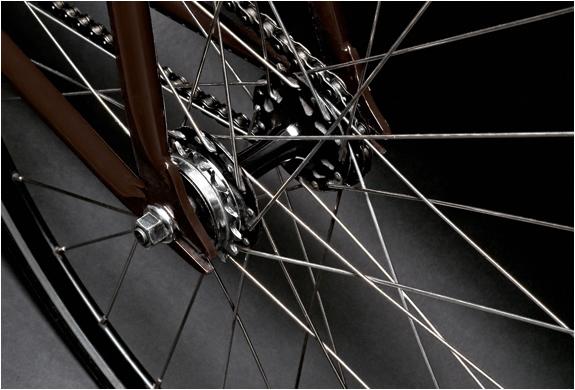 img_carhartt_bike_2.jpg