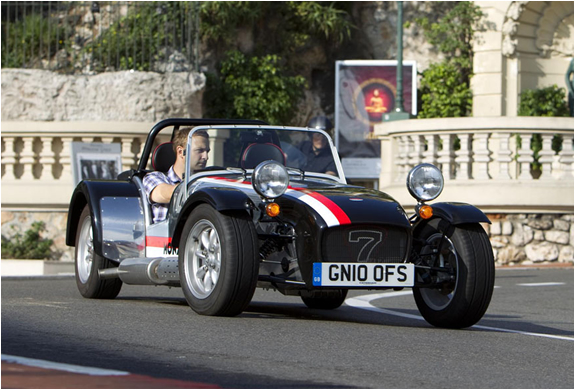 img_caterham_roadsport_125_monaco_3.jpg