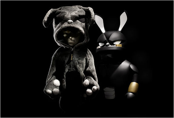 Coarse Toys | False Friends Blackout Edition | Image