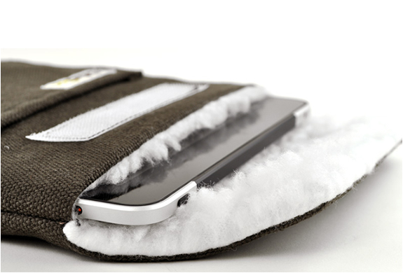 Natural Protective Sleeves For Ipad | By Colcasac | Image