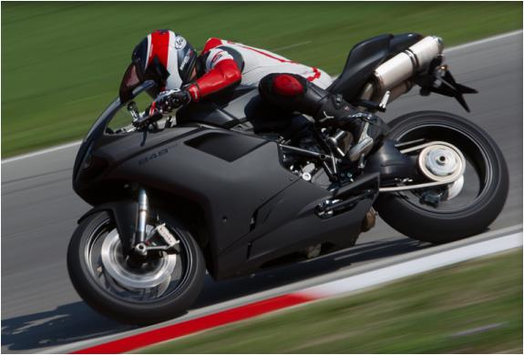 img_ducati_848evo_superbike_4.jpg
