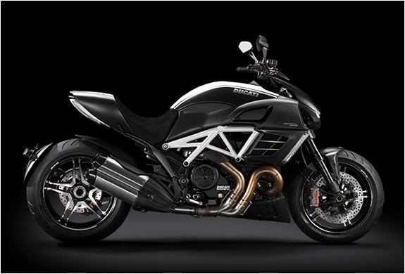 DUCATI DIAVEL AMG | SPECIAL EDITION | Image