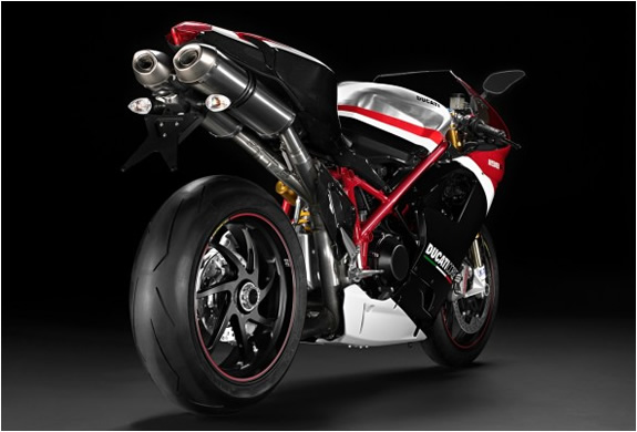 img_ducatti_superbike_1198_3.jpg