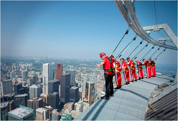 img_edge_walk_cn_tower_2.jpg | Image