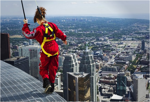 img_edge_walk_cn_tower_4.jpg