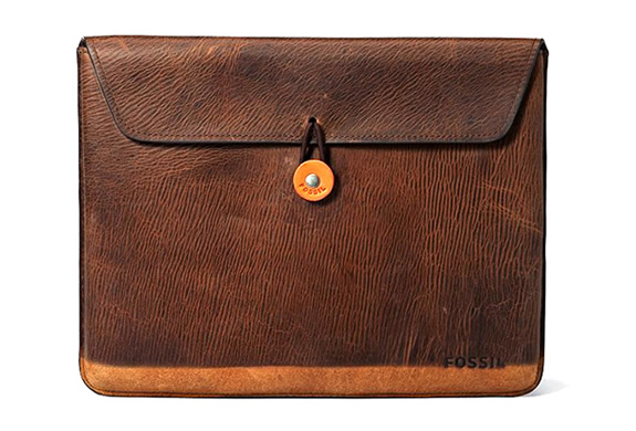 VINTAGE LOOKING IPAD COVER | BY FOSSIL | Image
