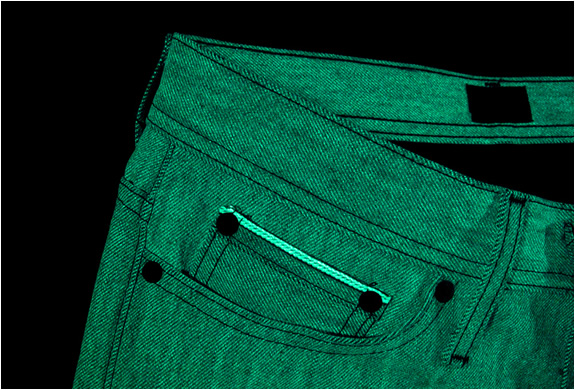 img_glow_in_the_dark_jeans_3.jpg | Image