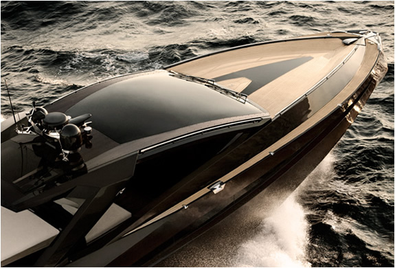 img_hedonist_yacht_artofkinetik_3.jpg