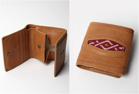 CAMEL LEATHER WALLET | BY HOBO | Image