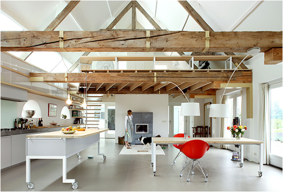 HOUSE G | AMAZING BARN MAKEOVER BY MAXWAN ARCHITECTS | Image
