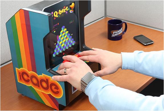 img_icade_ipad_arcade_cabinet_2.jpg
