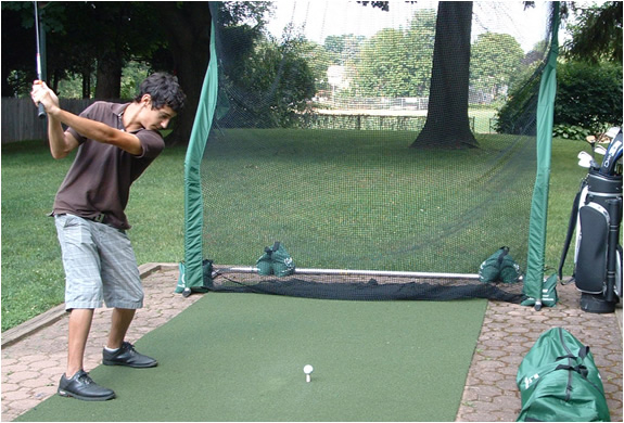 img_indoor_golf_practice_net_2.jpg