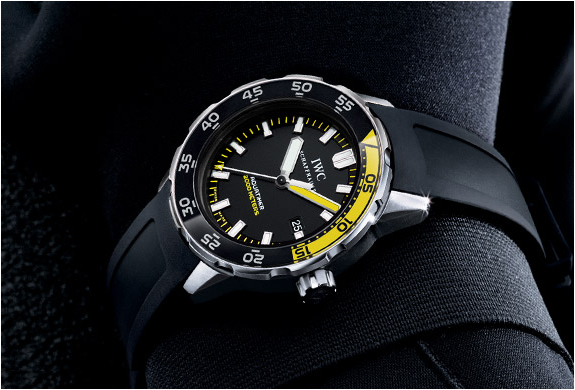 IWC AQUATIMER AUTOMATIC 2000 DIVERS WATCH | Image