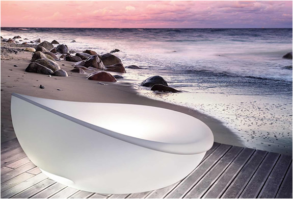 LAGOON DAYBED | BY SOLPURI | Image