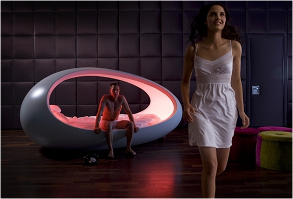 LOMME EGG SHAPED BED | Image