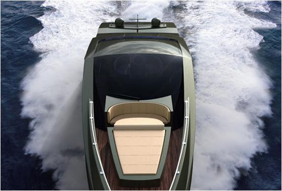 img_mauro_lecci_lamborghini_yacht_2.jpg